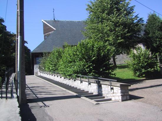 L'église et sa rampe