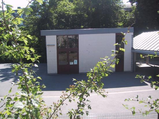 L'ex chapelle, l'ex local louveteau, le nouveau réfectoire de l'école